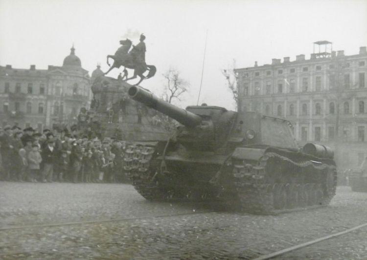 parad-pobedy-kiev-1945-05