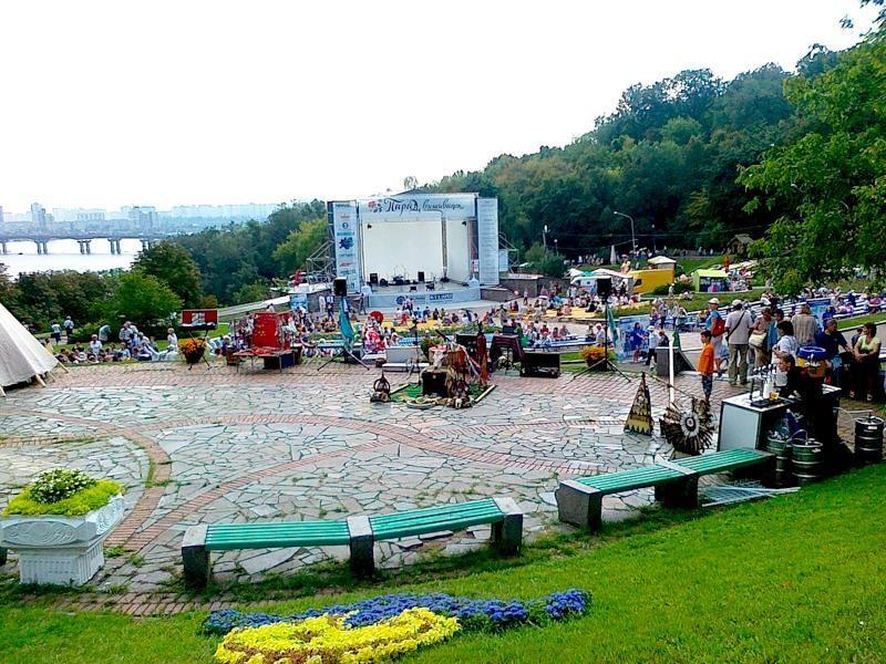 Фестиваль Kiev May-Art Picnic на Певчем поле