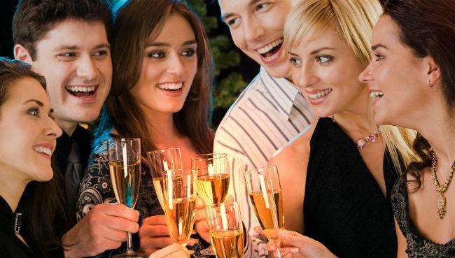Що вдягти, що приготувати та з ким зустріти новий рік 2015