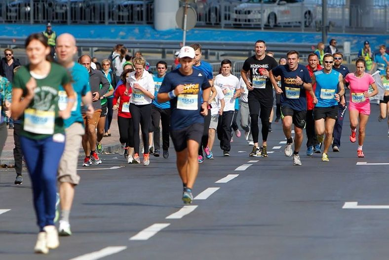 v-kieve-proshel-marafon-kyiv-city-marathon-2014-03