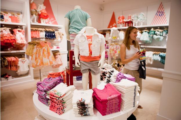 Фото со дня открытия магазина Gap в Киеве