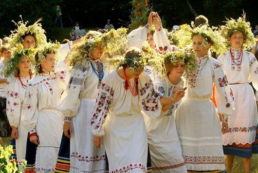 prazdnovanie-troicy-v-kieve-i-tri-dnya-vyxodnyx-1